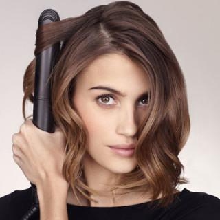 Glatte Haare wirken elegant – 5 Tipps für den Sleek-Look