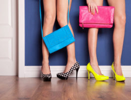 Kann Frau sich gleichzeitig mehrfach verlieben? Ja, und zwar in…… Handtaschen!